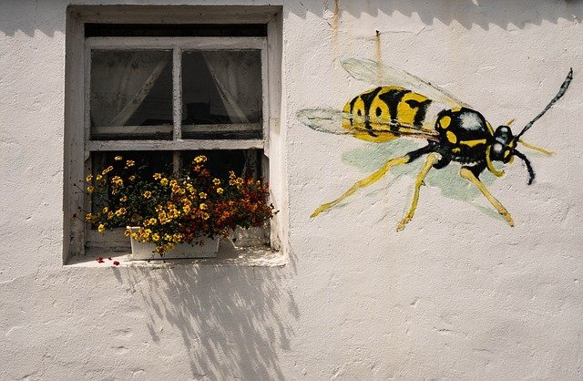 mural of wasp on london house